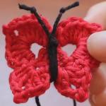 Háčkovaný motýlek