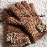 Háčkované prstové rukavice s kytičkou